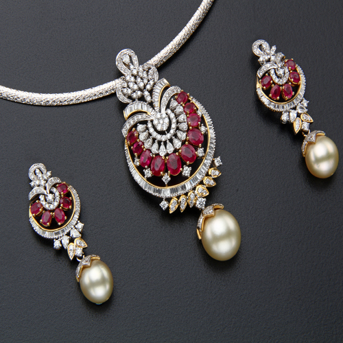 pendant buy the in studded designs pendants pics gold india online bloom jewellery diamond locket scintillating